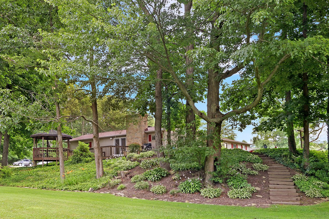 8839 N. Spring Valley Park Dr. Chagrin Falls, Ohio